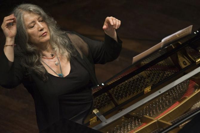 Martha Argerich într-un concert cu Itzhak Perlman la Saratoga Performing Arts Center