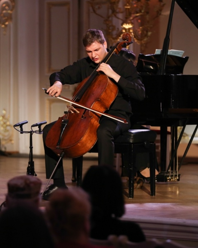 Violoncelistul Andrei Ioniţă, laureat al Concursului Ceaikovsky