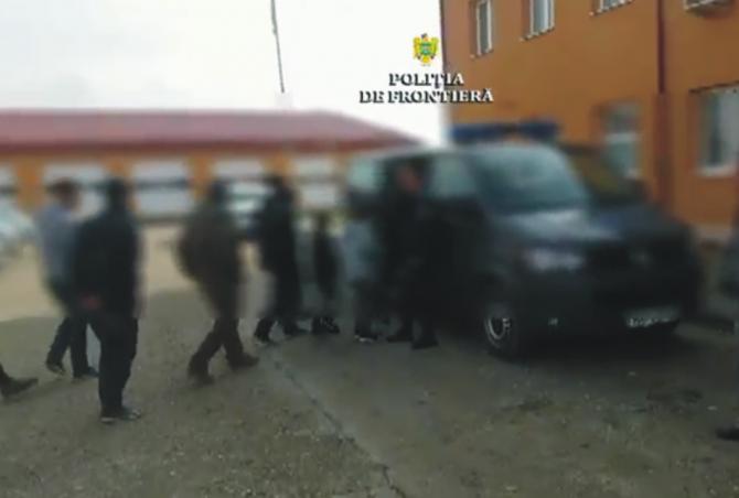 Poliţiştii de frontieră cin Caraş Severin au prins unsprezece migranți din Irak și Iran