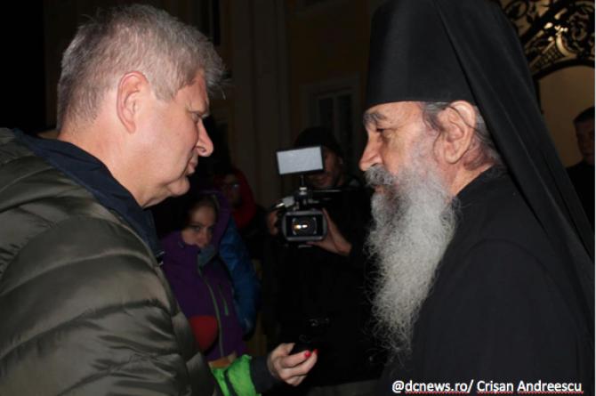 Daniel Tudorache alături de părintele Sava, un bucureștean care a îmbrăcat haina monahală  la Bănceni, în Bucovina de Nord