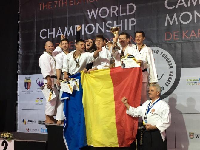 Romania si-a pastrat locul I în lume la Karate Traditional. foto: facebook, FRKT