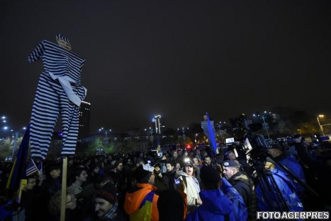 VIDEO de la protestul din Piața Victoriei după anunțul lui Toader despre Kovesi