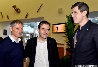 Dacian Ciolos, presedintele PNL, Ludovic Orban și liderul  USR, Dan Barna, duminică seara, întâlnire pentru a pune la punct tema protestelor