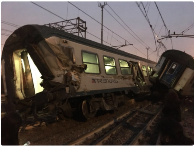 Tren deraiat Milano