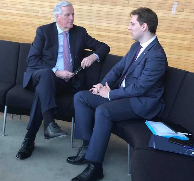 Întâlnire Victor Negrescu - Michel Barnier. foto: @victornegrescu, facebook