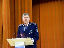Florin Şinca lansează cartea NECLINTITA CREDINȚĂ A POLIȚIEI.