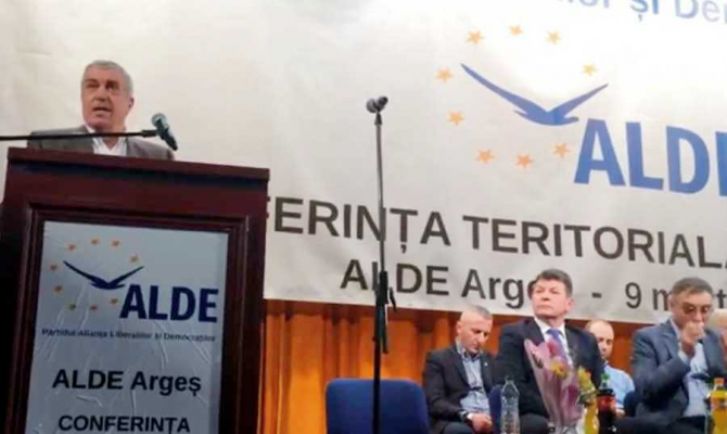 De ce crește ALDE, cu ajutorul PNL. Tăriceanu, discurs strategic