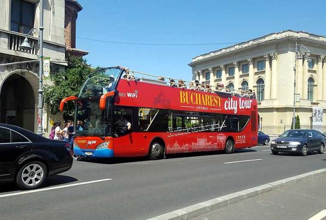 Autobuz turistic