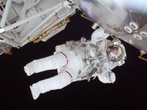 Trei astronauţi au decolat spre ISS