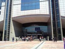 România, președinție Consiliu UE. Salariul unui înalt funcționar,...