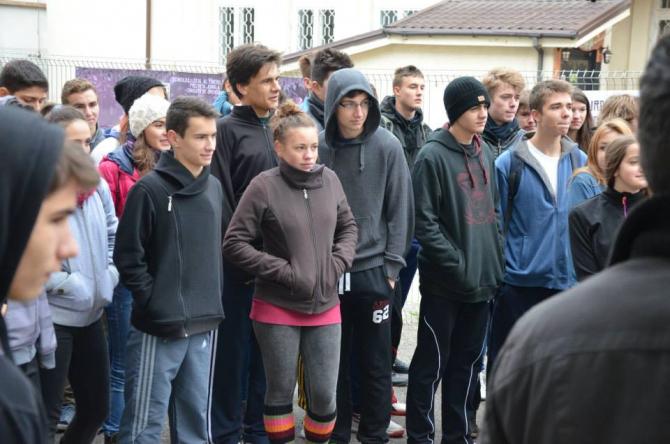 Tinerii  din Jungla Urbana la inceputul concursului
