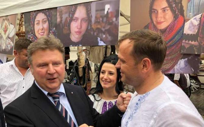 Andrei Năstase, primar ales al Chişinăului (dreapta)