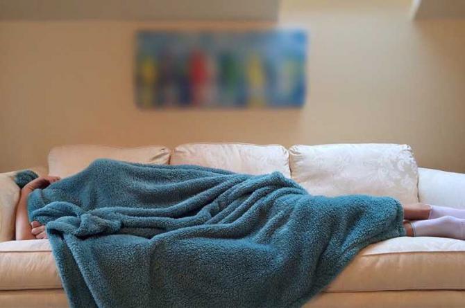Dormi cu lumina aprinsă? Poţi face diabet