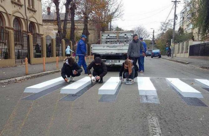 Liceul de artă 'Margareta Sterian', Buzău, trecere de pietoni 3D, foto: facebook