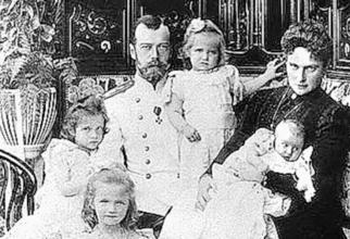 Țarul Nicolae al II-lea și familia sa. foto: prensalibre.com