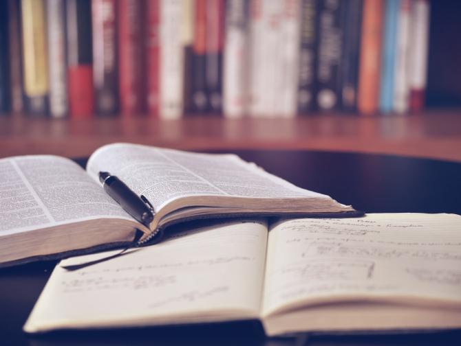 """Antologia de poezie """"Cercul Poeților"""", lansare 6 iulie"""