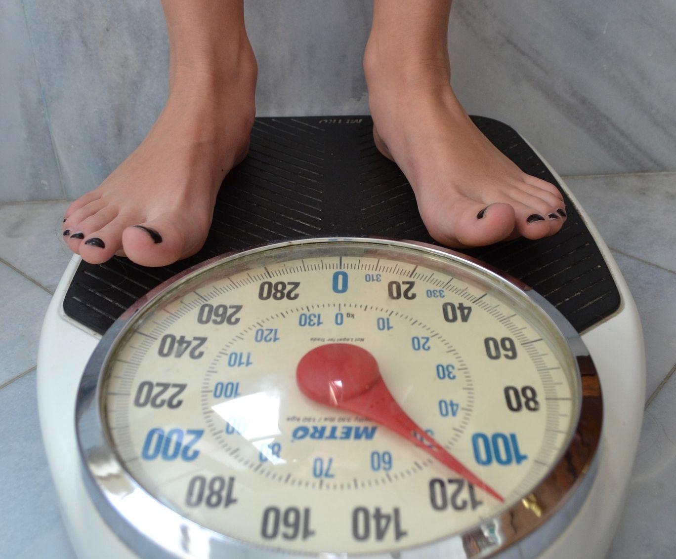 dezechilibrul hormonal te face să pierzi în greutate)