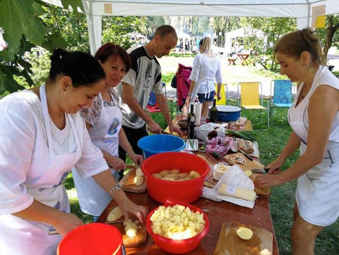 Festivalul Cartofului, Miercurea Ciuc. Echipa Jandarmeriei Harghita. foto: facebook