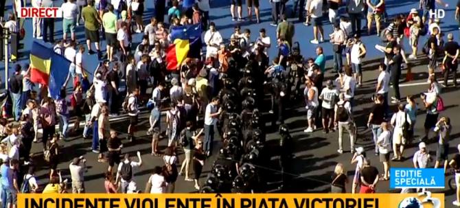 Protest 10 august. Georgian Enache: Au aruncat pungi cu excremente