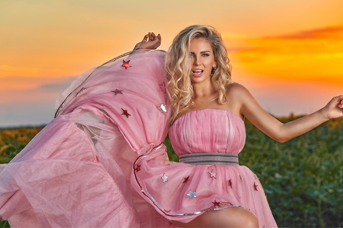 Dieta Andreei Bănică. Cântăreaţa de 42 ani a dezvăluit ce mănâncă şi câte kilograme are