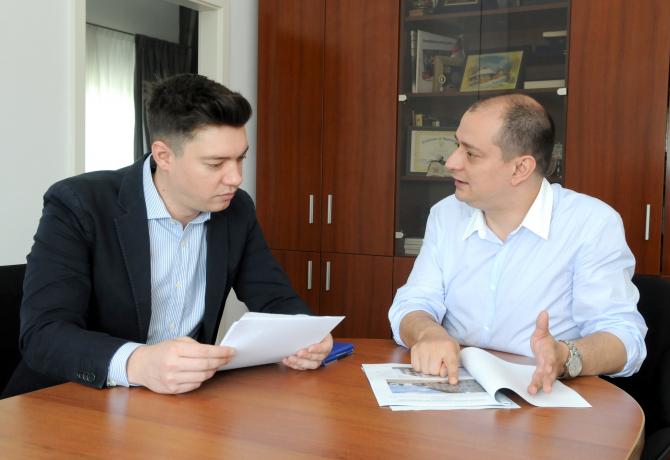 Daniel Băluță, primarul Sectorului 4, alături de viceprimarul Sectorului 4, Andrei Trocan