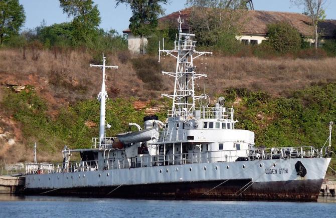 Nava militară Eugen Stihi. foto: vapoareromanesti.wordpress.com