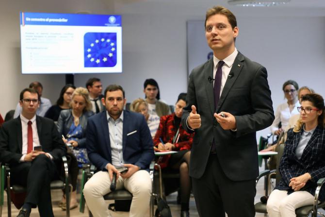 Negrescu, 'Delegat de tineret la Uniunea Europeană', nou program pentru tineri