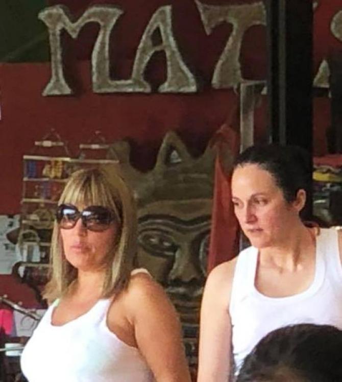 Elena Udrea și Alina Bica în Costa Rica