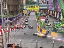 VIDEO - O șoferiță a zburat peste pistă cu 270 km / oră, Formula 3