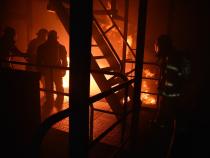 Bărbat în stare de inconștiență, salvat de pompieri