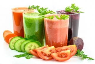 Detox: Sucurile de fructe conțin fructoză, care este tot un zahăr, chiar dacă e natural