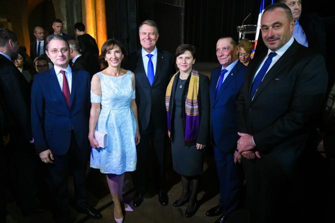 Klaus Iohannis, întâlnire la Paris cu reprezentanții comunității românești din Franța