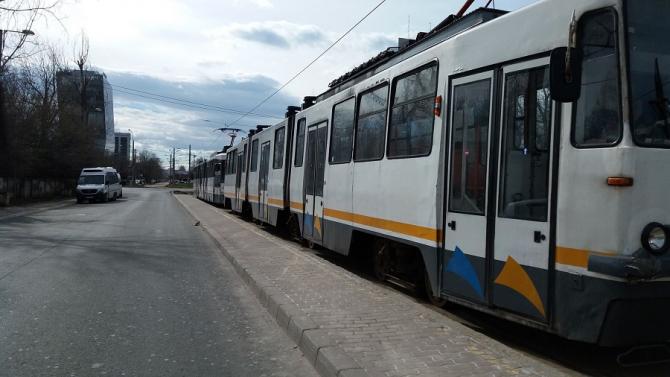 Linia tramvaiului 41, blocată! Accident la Piața Presei