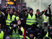 Noi violenţe la Paris. Vestele galbene, confruntări cu forţele de...