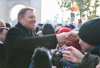 Baie de mulțime a președintelui Klaus Iohannis. Foto: Administrația Prezidențială
