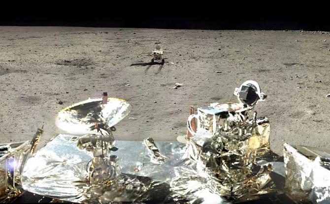 Misiune istorică: China trimite un robot pe faţa nevăzută a Lunii