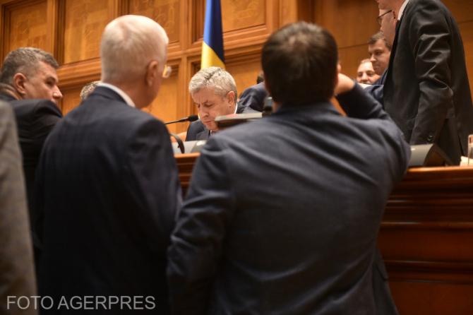 Scandal în Parlament