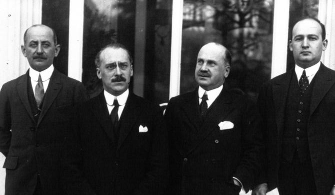 I.G. Duca (al doilea de la stânga la dreapta) la  Conferinta de la Lausanne din 1932