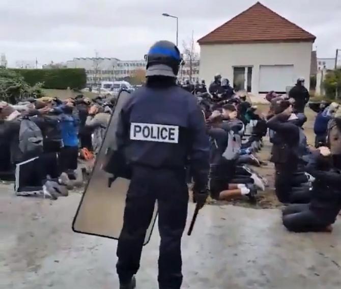 Protest 'Veste galbene', elevi arestați.  Ministrul educaţiei, 'şocat'