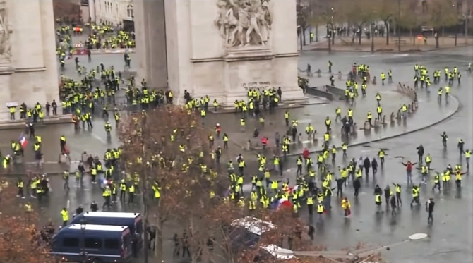 Protest 'Vestele galbene', discursul președintelui Macron