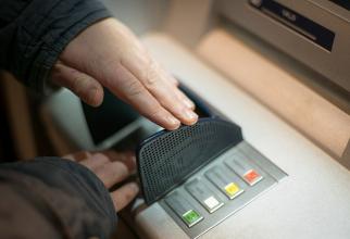 O mare bancă dispare din România