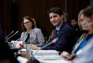 Trudeau, întâmpinat de 'vestele galbene'. Reacție după ce a fost amenințat