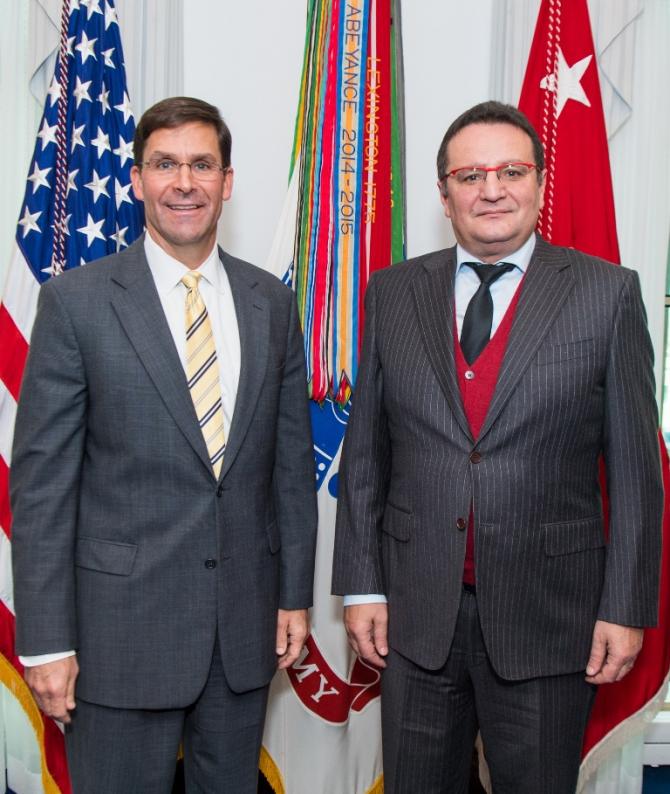 Întâlnire G. Maior cu secretarul Forțelor Terestre ale SUA, Mark T. Esper