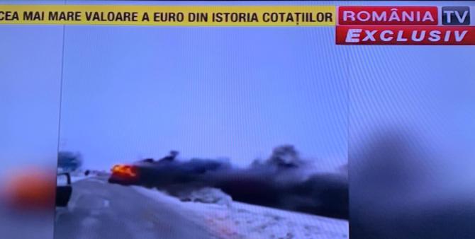Un autocar a luat foc în mers