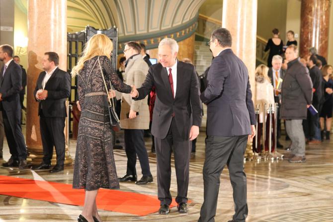 Daciana și Victor Ponta, alături de ambasadorul SUA, Hans Klemm Foto: Crișan Andreescu