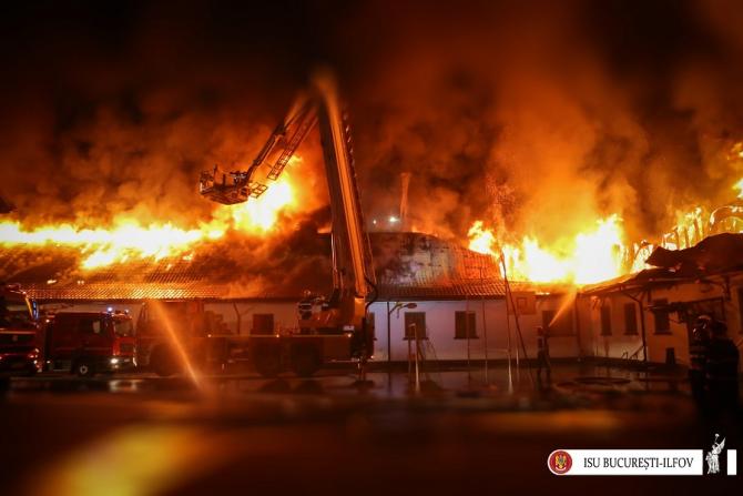 Incendiu, interventie ISU - foto ilustrativ