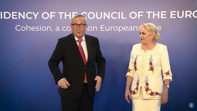 """Juncker, către ziariști: """"Suntem tratați ca niște prinți"""""""