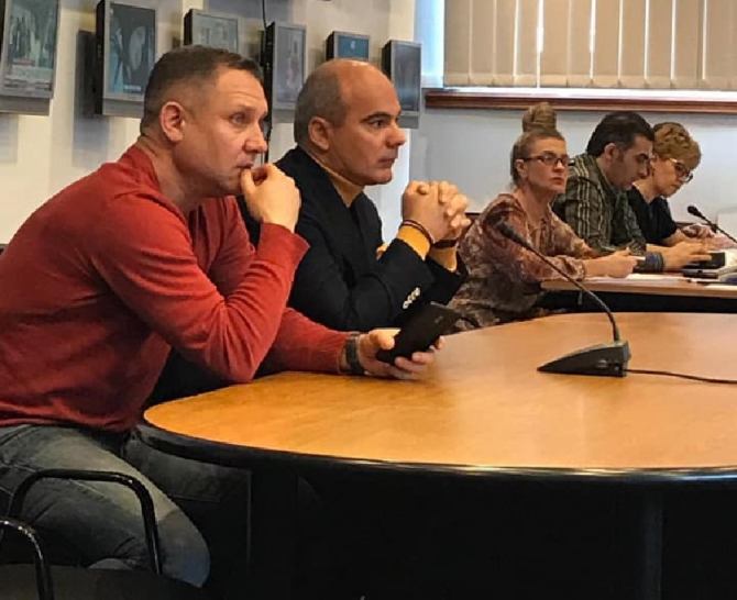 """Rareș Bogdan, în lacrimi la Realitatea TV: """"Aici vrem noi să ajungem?"""""""