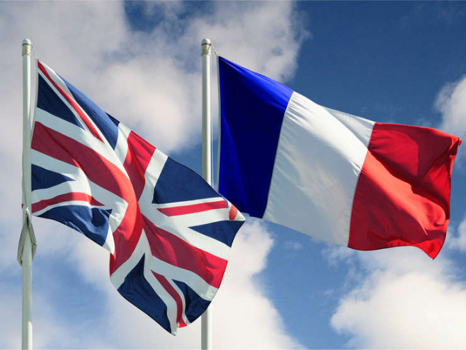 Protestatarii afirmă că este nevoie de acţiuni ferme privind stoparea limbii engleze în Franța