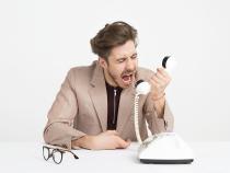 Un bucureştean a sunat de 21.000 de ori la 112